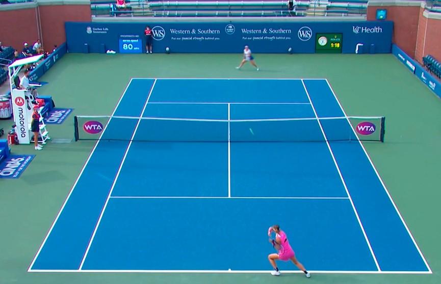 Азаренко вышла в финал теннисного турнира в Цинциннати