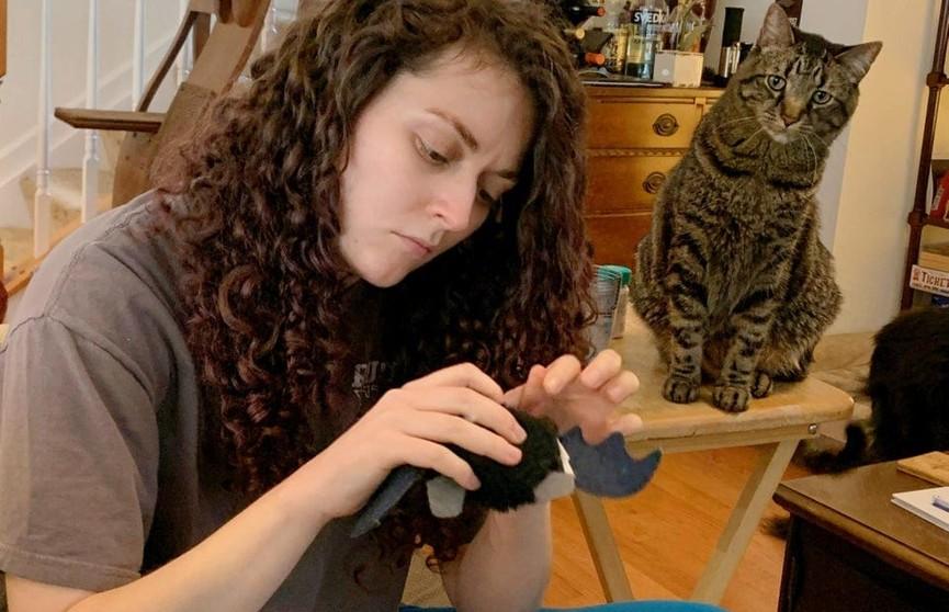 Вы будете в шоке! 10 доказательств того, как коты «поработили» своих хозяев