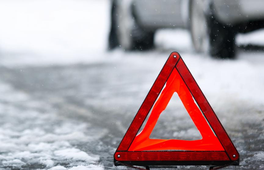 ДТП в Брестском районе: водитель остановился помочь и собрал «паровоз» из 5 машин