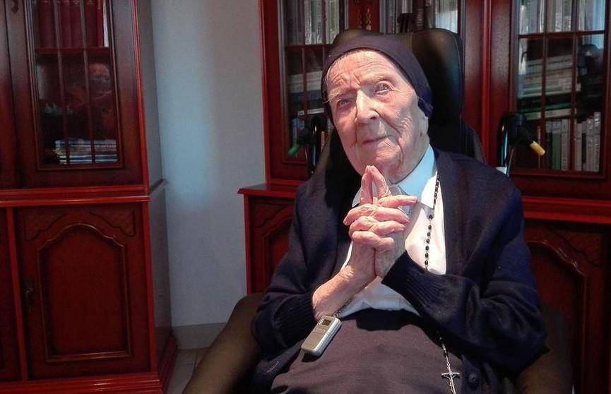 Монахиня из Франции стала самой пожилой жительницей Европы