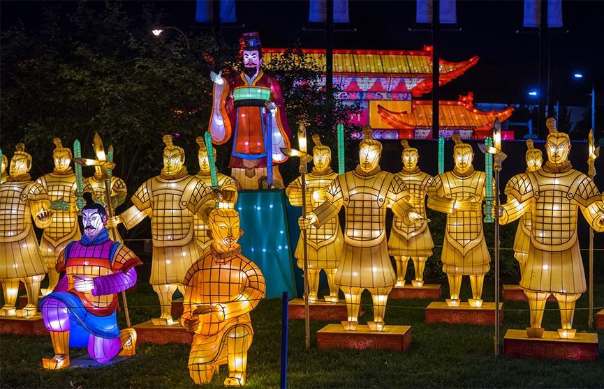Фестиваль Фонарей проходит в Китае