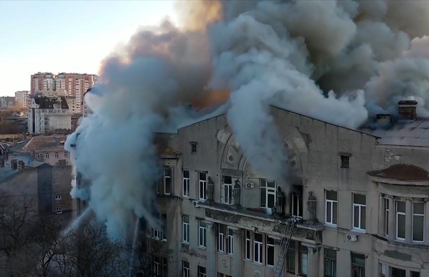 Число жертв пожара в колледже Одессы возросло до 12 человек