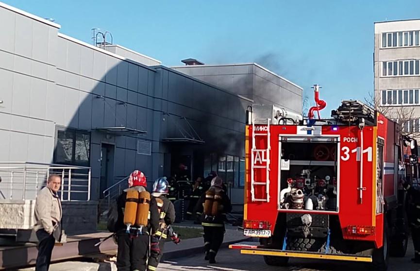 Электросамокат загорелся в помещении в Минске