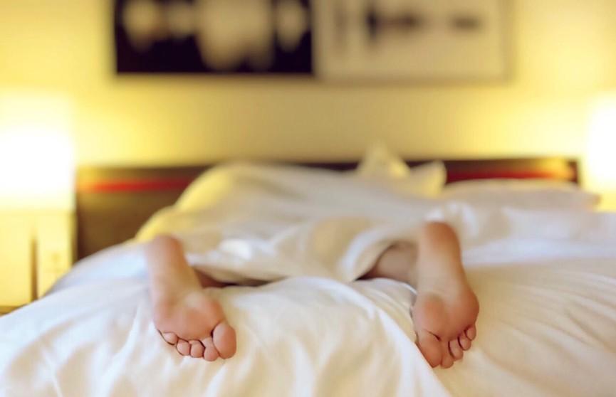 В Британии мужчины спят после обеда в два раза чаще женщин