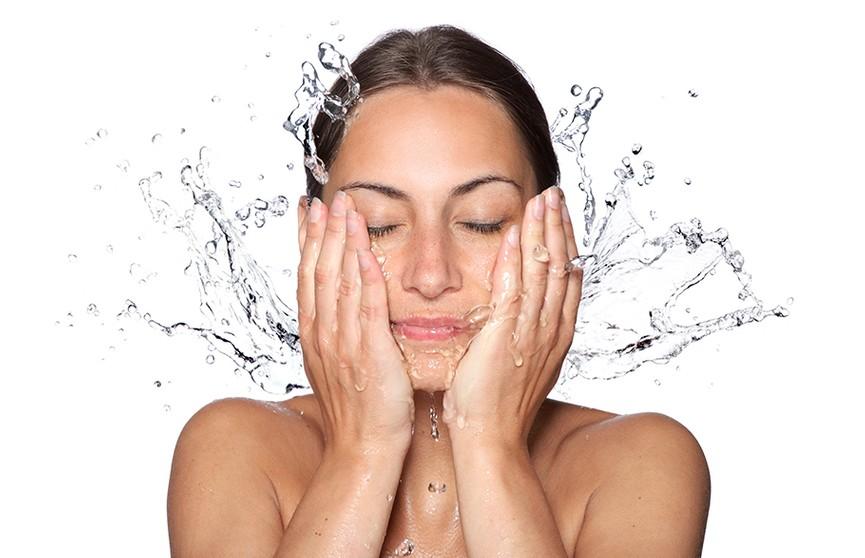 Врачи рассказали, об оптимальной частоте умывания для здоровой кожи