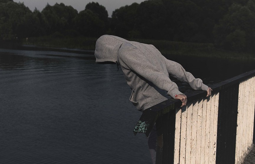 Шокирующая статистика ВОЗ: каждые 40 секунд в мире происходит самоубийство