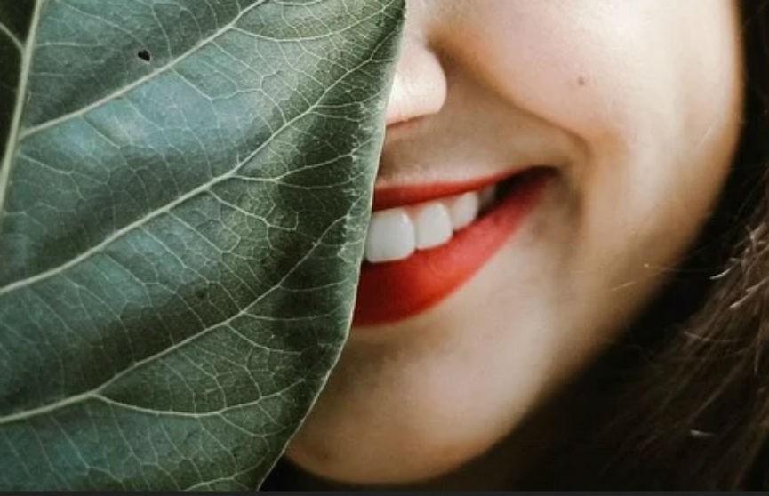 Как удалить зубной налет в домашних условиях? Рассказывает стоматолог