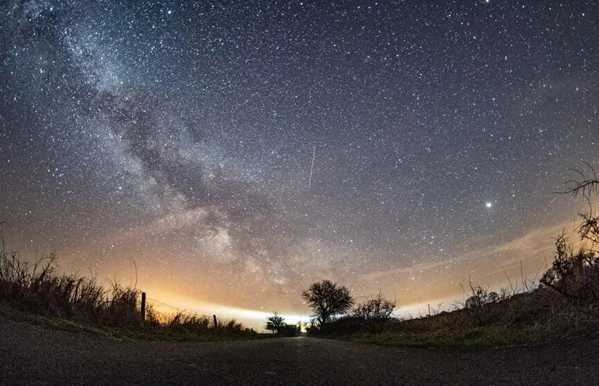 Самый яркий звездопад можно будет увидеть с 16 по 23 августа. Не пропустите