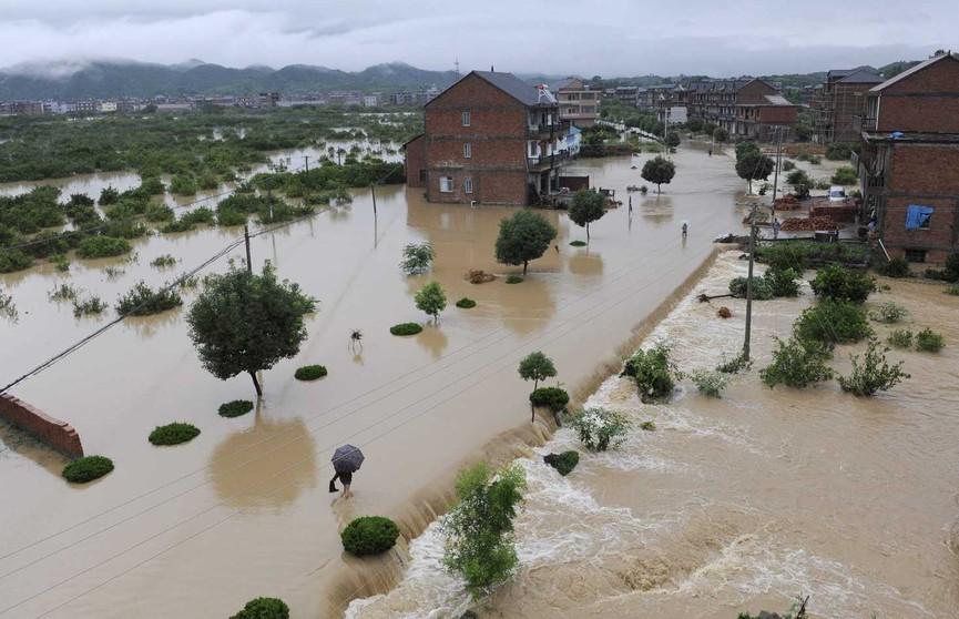 Более 60 человек стали жертвами мощного наводнения в Китае