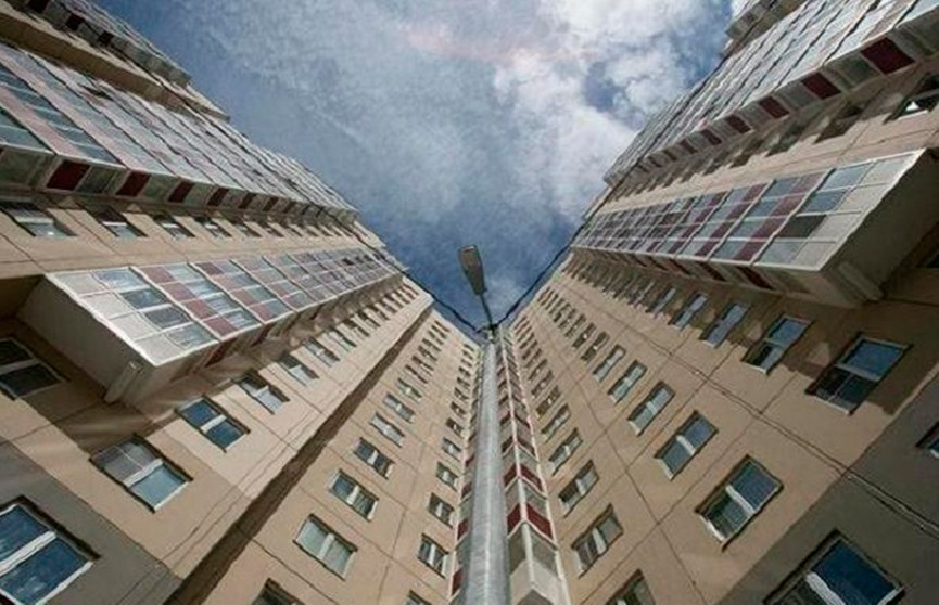 Женщина разбилась насмерть, выпав с седьмого этажа в Гомеле