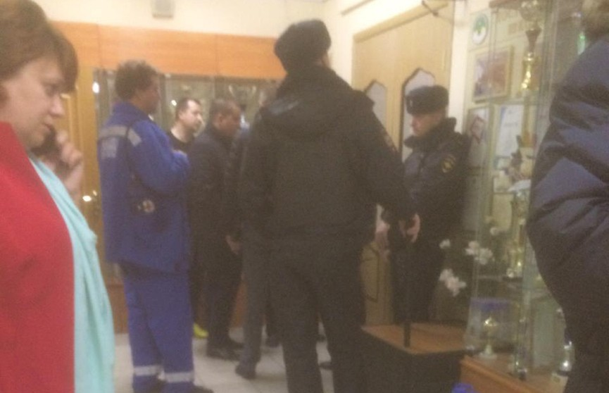 Подросток, пришедший в школу с ножом в Москве, сдался полиции