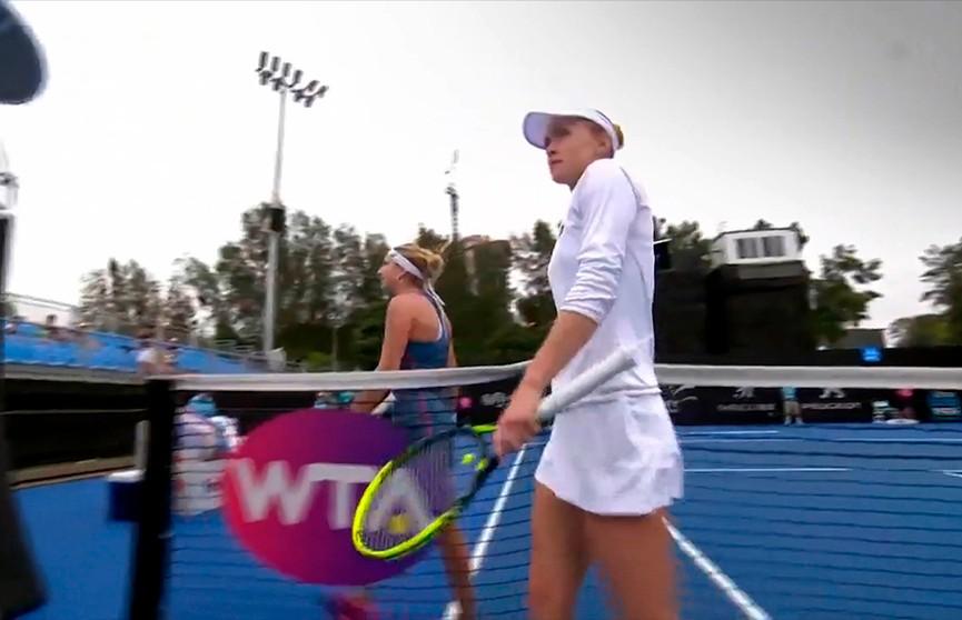 Александра Саснович не смогла пробиться в 1/8 финала крупного теннисного турнира в Дубае