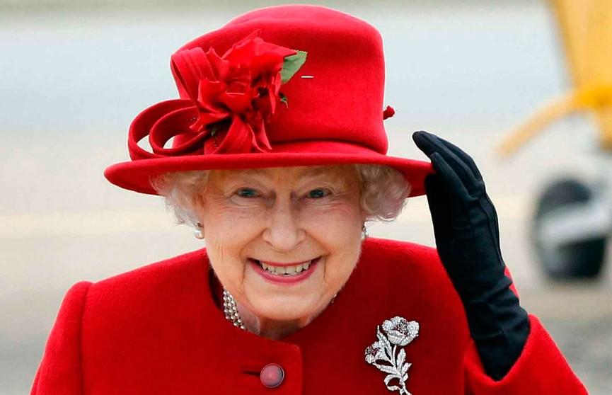А вы бы купили? Детские фото Елизаветы II выставили на торги в Лондоне