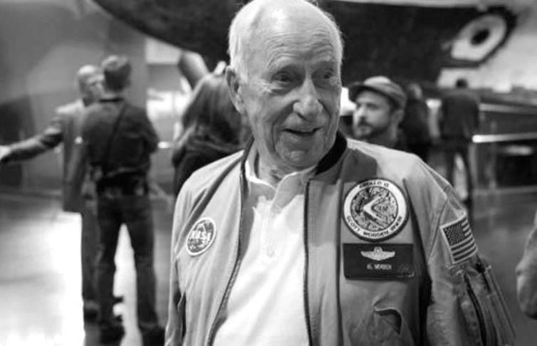 Умер астронавт, летавший на Луну
