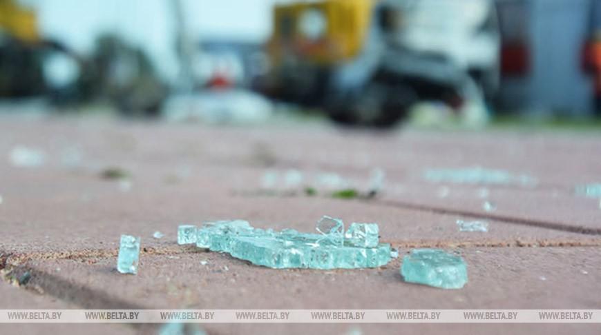 Пьяный водитель протаранил остановку общественного транспорта в Минске