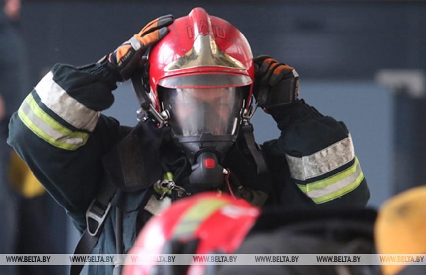 Восемь человек спасли при пожаре в квартире