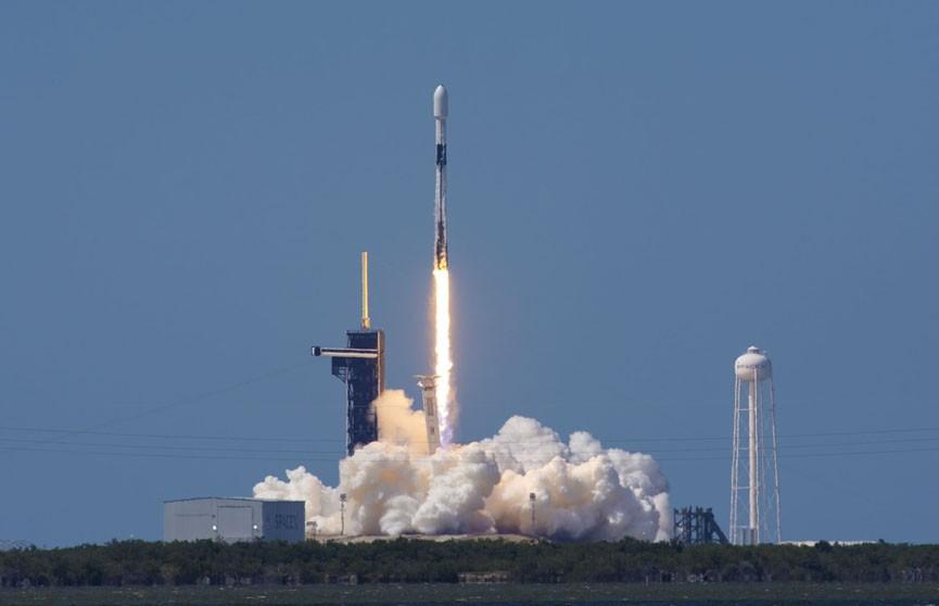 SpaceX из-за непогоды перенесла на неопределенный срок запуск новой группировки микроспутников Starlink
