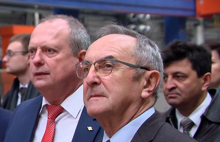 Визит французской делегации в Беларусь: гости посетили производство БелАЗов