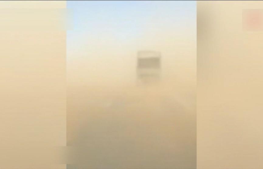Мощные песчаные бури накрыли юг России, Молдову и Украину