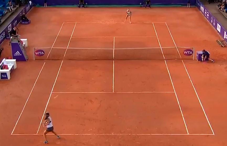 Арина Соболенко готова к матчу с Лаурой Зигемунд на теннисном турнире во Франции