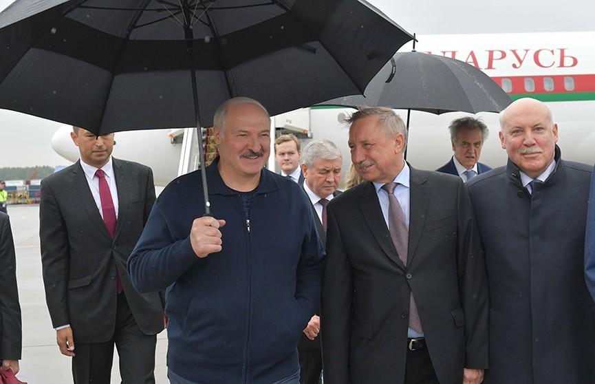 Лукашенко: Питер – это родное. Президент прибыл с официальным визитом в Россию