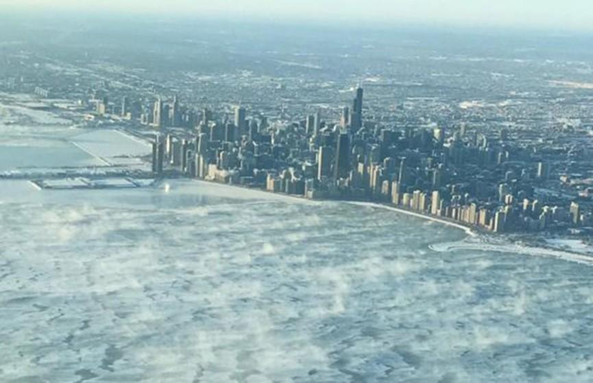 Аномальные морозы в США: отменены авиарейсы, движение поездов остановлено