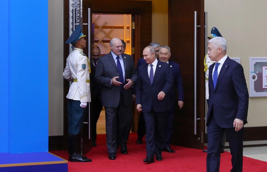 Александр Лукашенко и Владимир Путин на полях саммита ЕАЭС обсудили углубление союзной интеграции