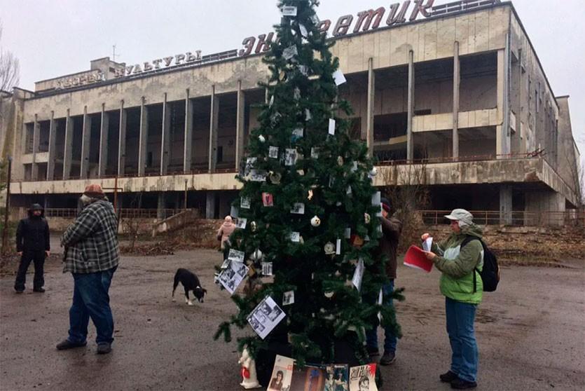 Припять обзавелась новогодней ёлкой, первой после аварии на ЧАЭС
