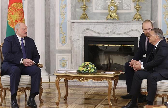 Лукашенко провел встречу с главой Международной федерации хоккея Фазелем