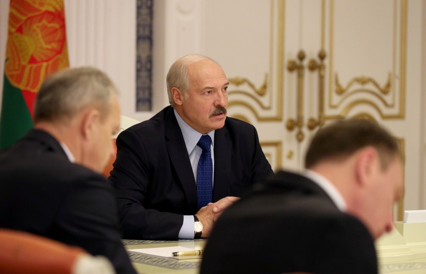 Лукашенко: Беларусь будет стремиться закупать в России 30-40% от необходимых объёмов нефти
