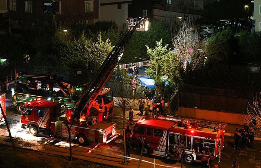 Вертолёт рухнул рядом с жилыми домами в Турции