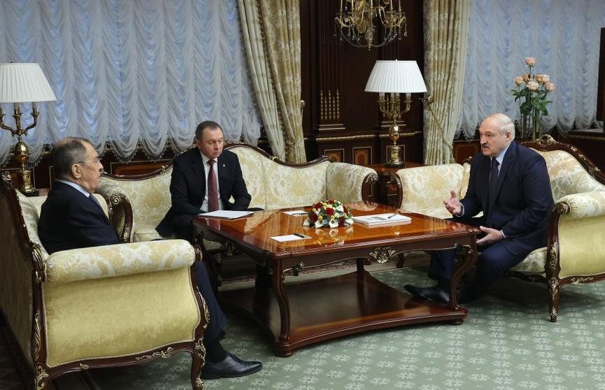 Двусторонние отношения, судьба ЕАЭС и давление Запада: итоги визита Лаврова в Минск