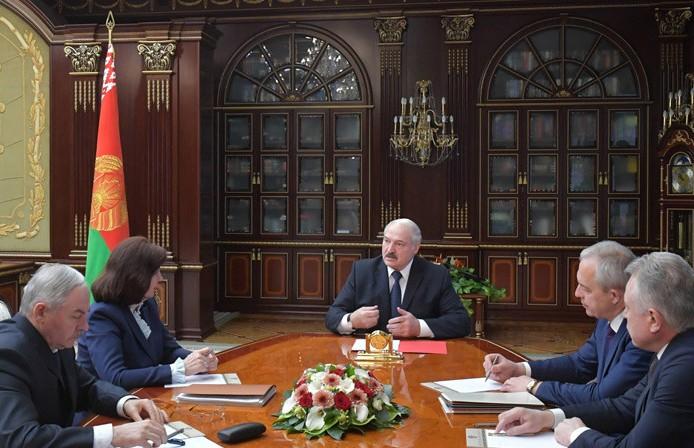 Лукашенко рассчитывает, что после открытия мировых рынков экономика Беларуси быстро восстановится