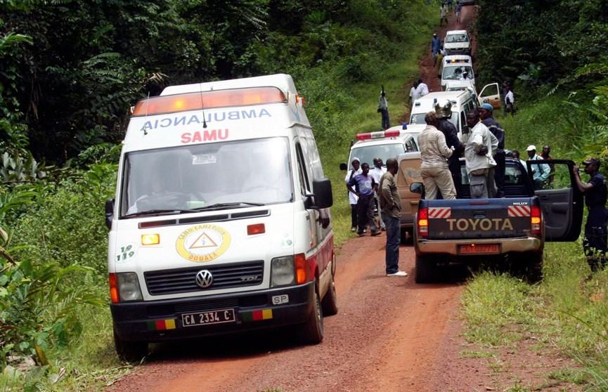 37 человек погибли при столкновении автобуса с грузовиком в Камеруне