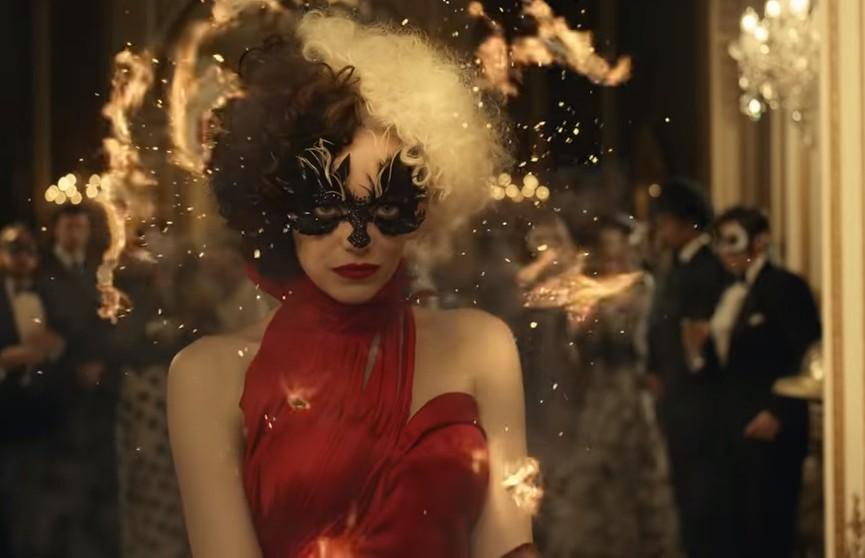 Вышло новое промо к фильму о Круэлле де Виль с Эммой Стоун