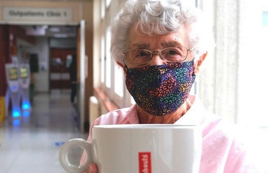 99-летняя пенсионерка устала бездельничать и вышла на работу