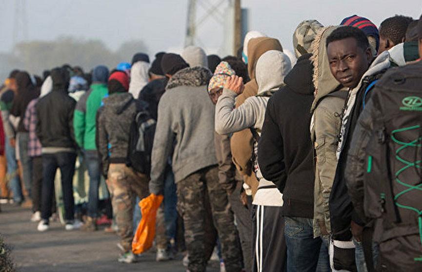 Французские власти ликвидируют лагерь мигрантов возле города Гранд-Сент