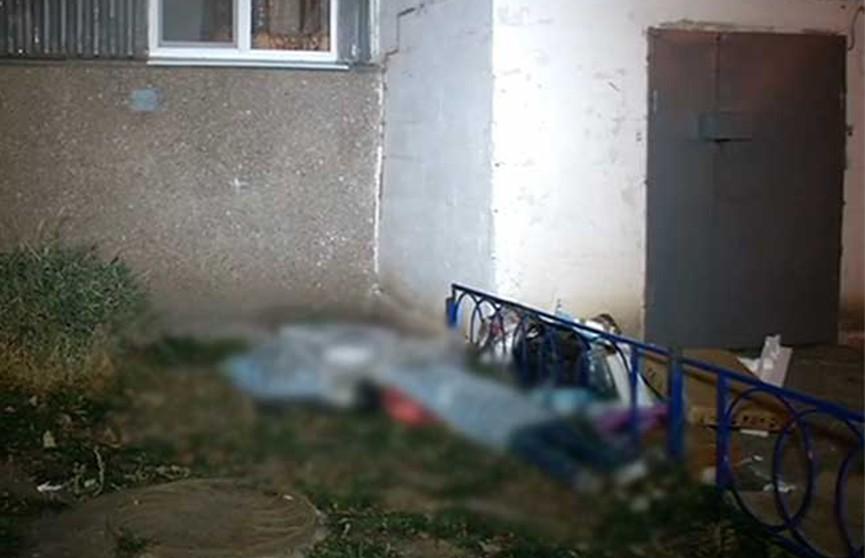 Женщина с сыном выпали с девятого этажа и разбились насмерть в Тольятти (Россия)