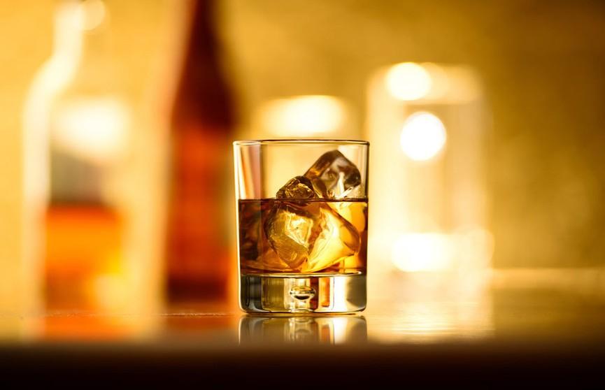 Стоматолог рассказал об опасности алкоголя для зубов