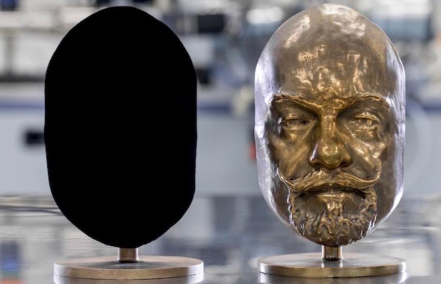 Самый черный в мире цвет представят на Венецианской биеннале