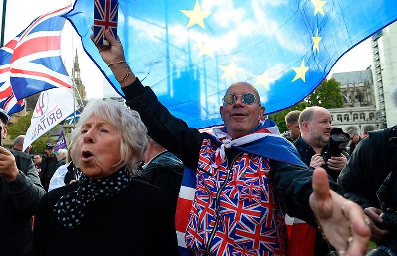Британцы требуют повторного референдума по Brexit