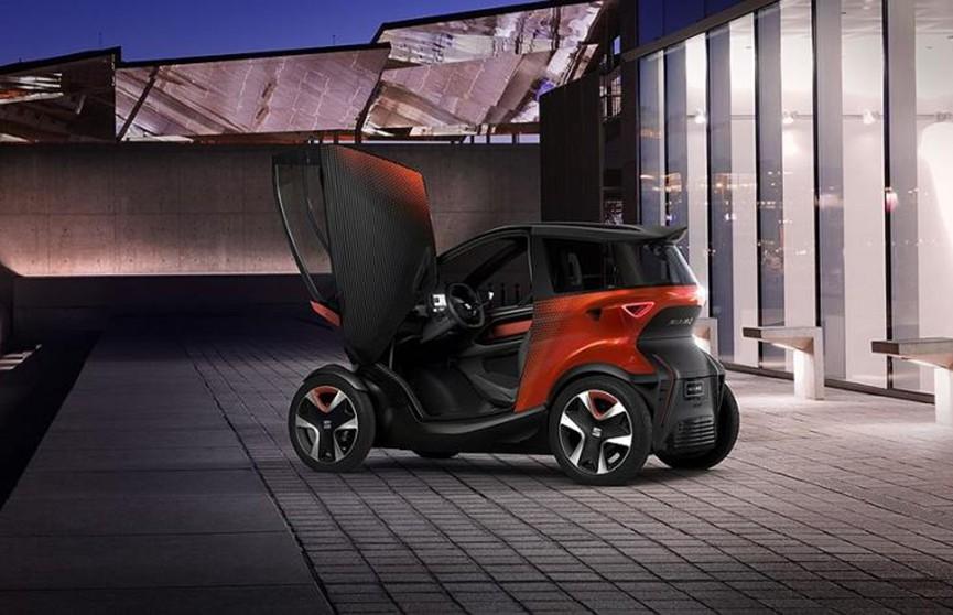 Seat представил свой беспилотный электрокар Minimo. Его габариты не превышают размер байка