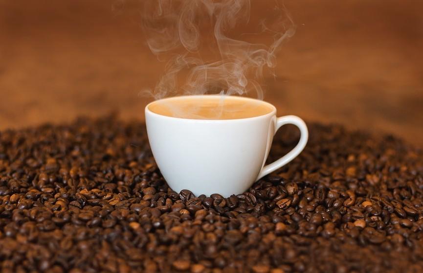 Сухость кожи, плохой сон и не только – вот почему нельзя пить много кофе
