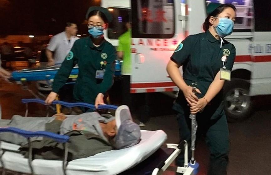 Грузовик въехал в похоронную процессию в Китае