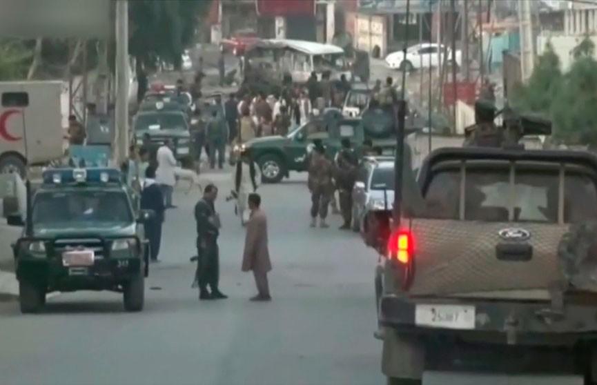 Полицейский автомобиль подорвался на мине в Афганистане: есть погибшие