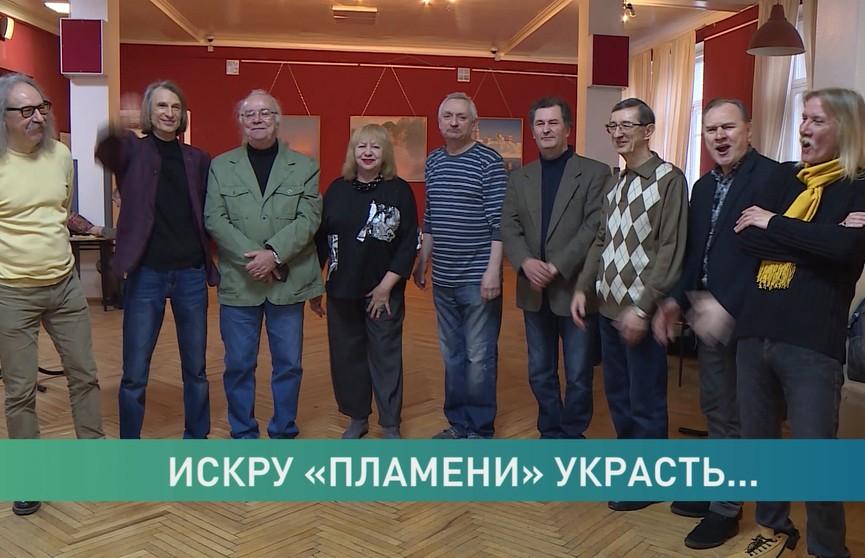 ВИА «Пламя» снова поёт советские хиты, но к легендарному ансамблю коллектив не имеет отношения. Кто присвоил чужую славу?