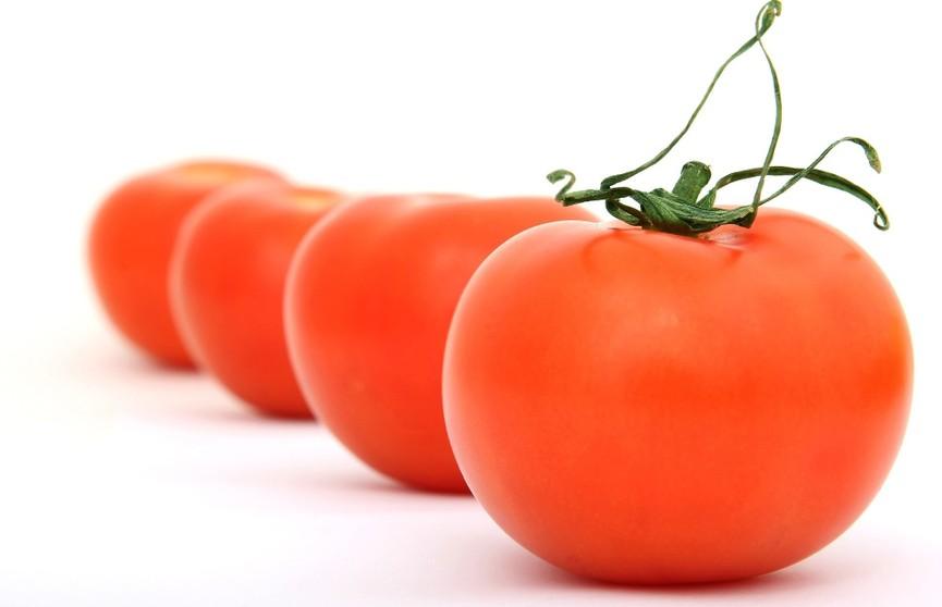 Помидоры и морковь подорожали, чеснок и яблоки стали дешевле. Как изменились цены в апреле?