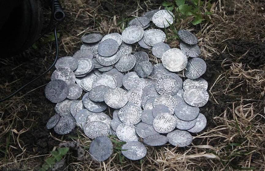 В Великобритании нашли клад монет XIV века