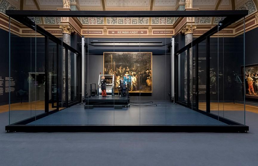 Наблюдать за реставрацией картины Рембрандта в Амстердаме можно онлайн