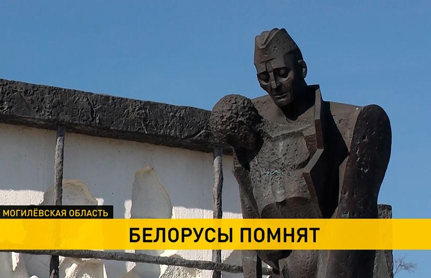 Памятные аллеи скорби появляются в Беларуси в преддверии Международного дня освобождения узников фашистских концлагерей